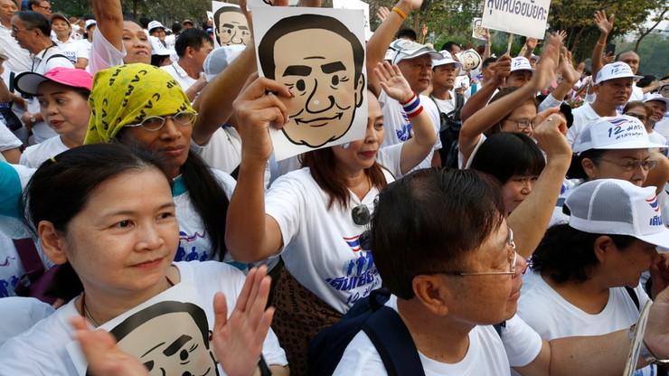 """""""Bieg przeciwko dyktaturze"""" w Tajlandii. Za protestami ma stać charyzmatyczny miliarder"""
