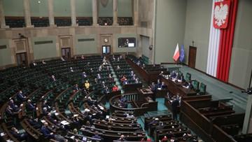 """Sejm przyjął uchwałę PiS ws. budżetu UE. """"My nie chcemy niczego blokować"""""""