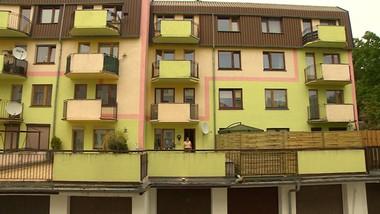 Taras czy dach garażu? Wojny sąsiadek nie zakończył nawet sąd