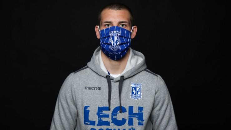 Lech przygotował maski ochronne. Dochód na szpitale
