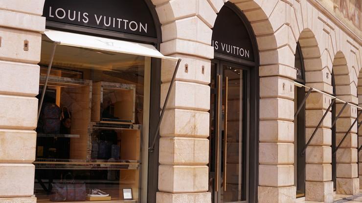 Luksus przegrywa z kryzysem. Właściciel marki Louis Vuitton stracił 30 miliardów dolarów
