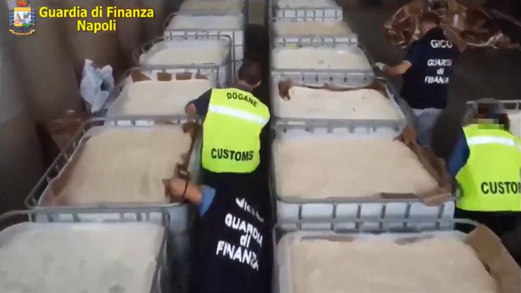 Przejęto największy ładunek amfetaminy w historii. Produkowało ją Państwo Islamskie