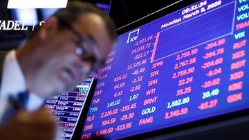 """Wall Street zatrzymały """"automatyczne wyłączniki"""". Dwucyfrowe spadki na giełdzie w Warszawie"""