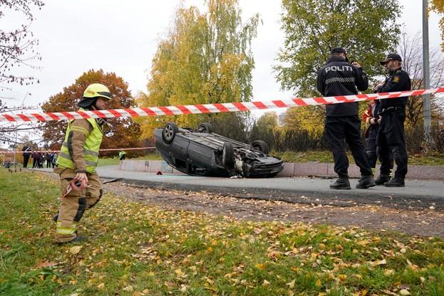 Po dachowaniu autem osobowym, 32-latek uprowadził karetkę pogotowia
