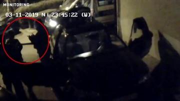 Przykuli 17-latka kajdankami do samochodu. Skandaliczna interwencja policji