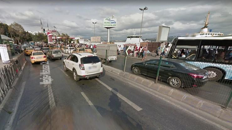 Turcja: kierowca autobusu wjechał w przystanek, później zaatakował ludzi nożem. 13 osób rannych