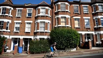 Zakaz wprowadzony przez brytyjski rząd wywołał falę kpin