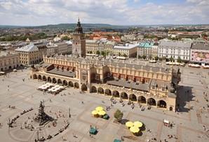 Kraków ma sposób na bezpieczny piknik. Miasto maluje kwadraty na trawie