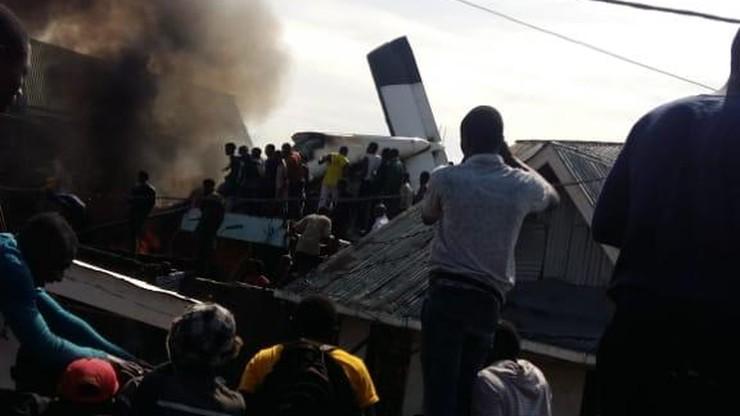 Samolot spadł na domy mieszkalne. 24 osoby nie żyją