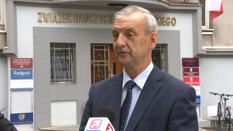 Szef ZNP o Czarnku: mam nadzieję, że będzie uśmiechnięty od ucha do ucha