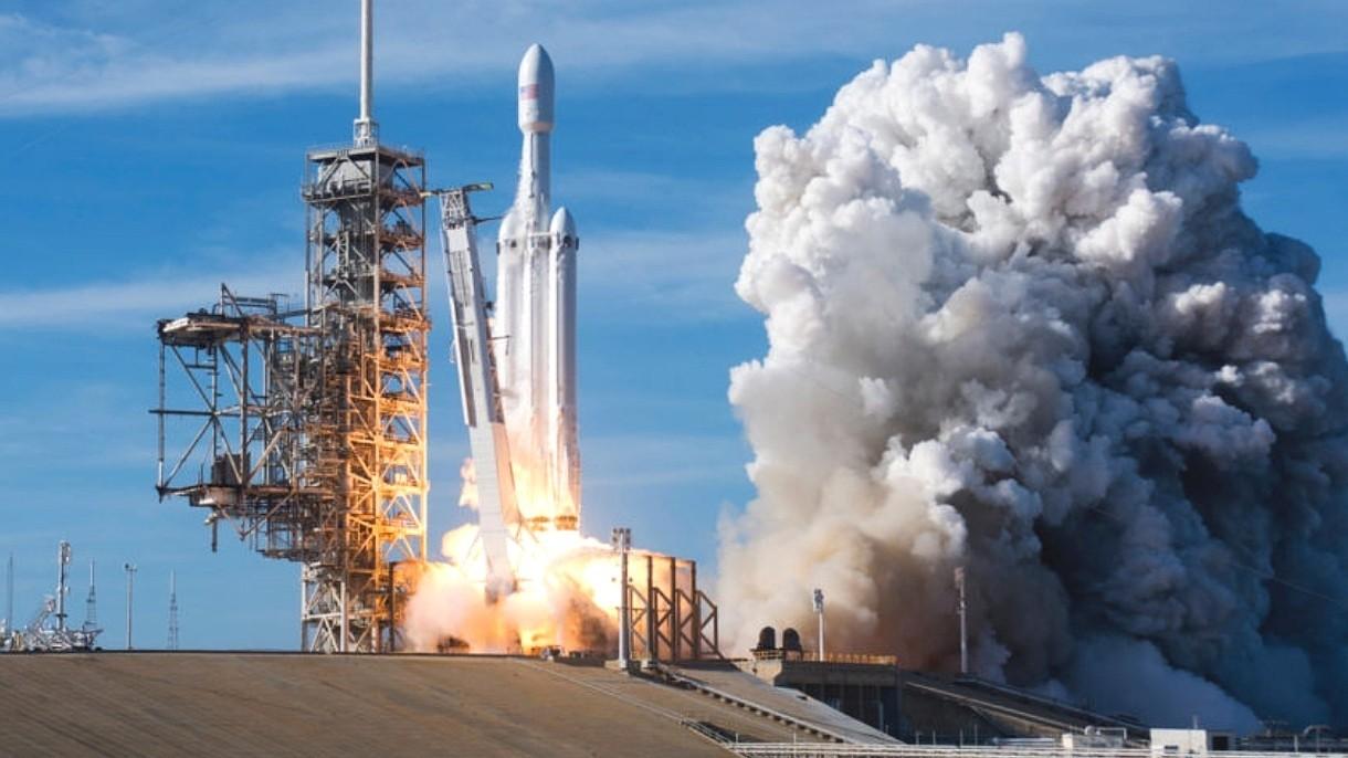 Falcon Heavy wyniesie na orbitę tajemniczy, nowy i większy pojazd Pentagonu