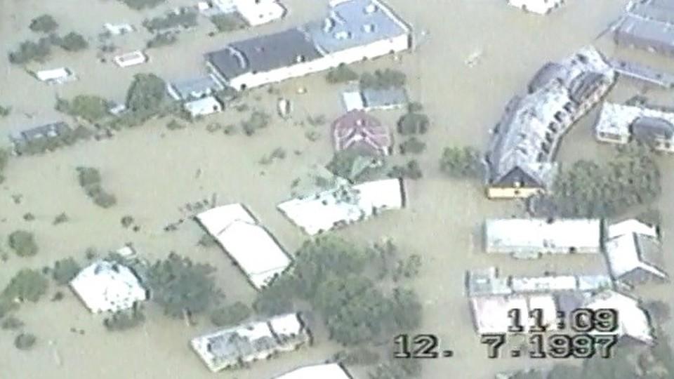 Wiele budynków całkiem otoczyła wielka woda