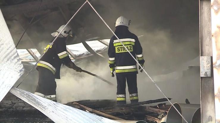 Pracowite święta strażaków i policjantów. Setki pożarów, wypadki i fałszywe alarmy