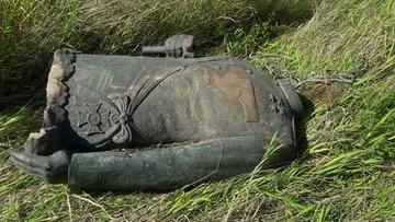 Złodziej pomnika marszałka Rokossowskiego zatrzymany. Figura straciła głowę