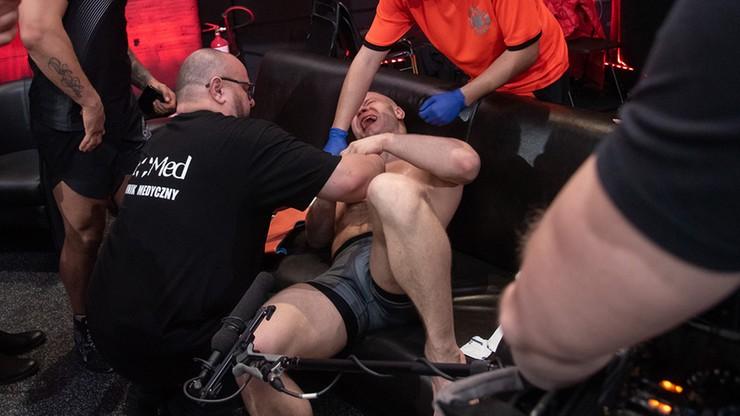 """""""Tylko Jeden"""": Fantastyczna walka w ćwierćfinale! Zawodnik walczył ze złamaną ręką"""