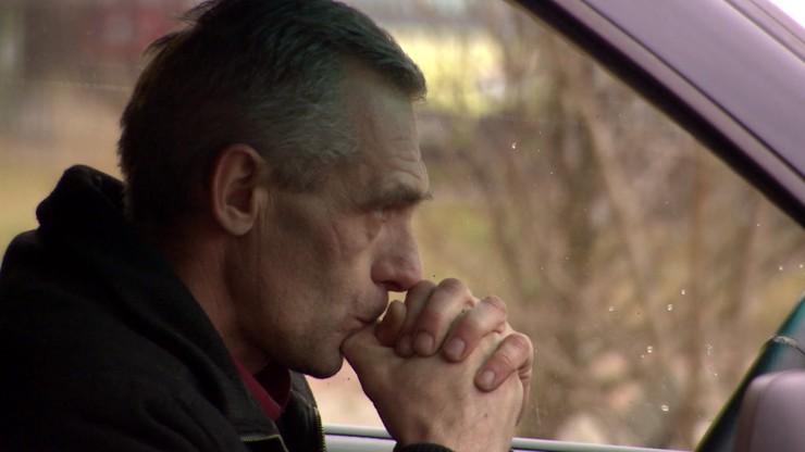 Ukrainiec zarabiał na leczenie siostry, wypłaty nie dostał i wegetuje w aucie