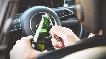 Pijany kierowca wjechał w radiowóz, przed którym wcześniej uciekał. Policjanci w szpitalu