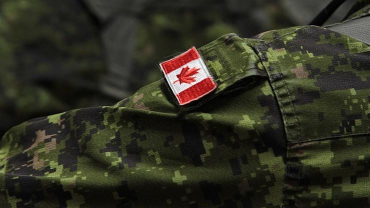 Wojsko chce przyciągnąć kobiety... krótszymi spódnicami