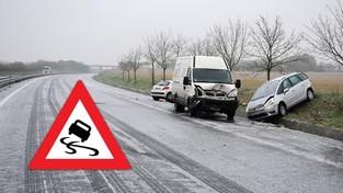 07-12-2019 09:00 Marznący deszcz wywołuje chaos na drogach. Na autostradzie A4 kilkanaście aut leży w rowach