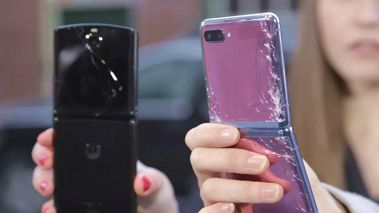 Zobacz, jak składane smartfony Samsunga i Motoroli wyglądają po upadku na chodnik