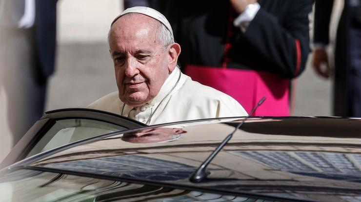 Papieskie pielgrzymki odwołane do 2022 roku. Przyczyną koronawirus