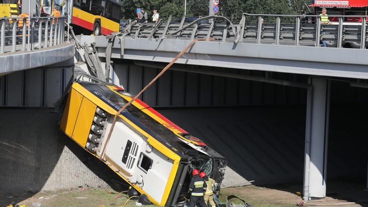 Autobus spadł z wiaduktu, kierowca pod wpływem amfetaminy. Prokuratura potwierdza