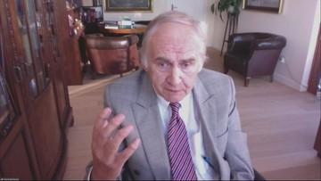 """""""Nie uderzajmy się po twarzy siekierą"""". Prof. Zembala ocenił działania rządu  w walce z epidemią"""