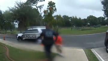 """Policjant zatrzymał 6-latkę. Związał jej ręce, choć błagała o """"drugą szansę"""" [WIDEO]"""