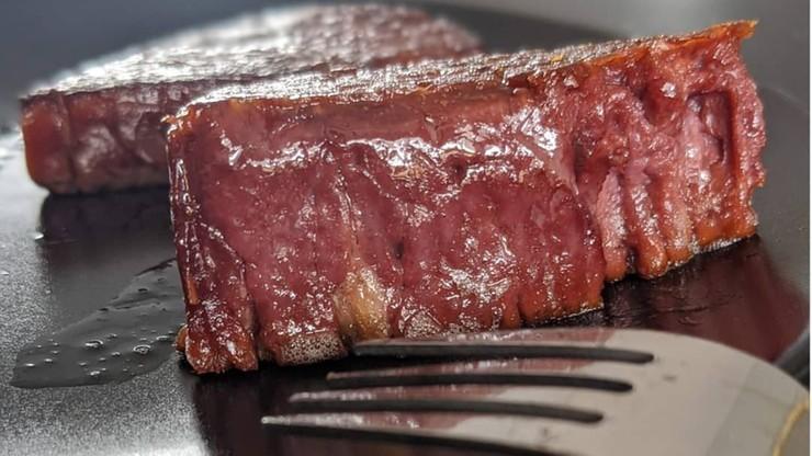"""Pierwsze wegańskie """"steki"""" wydrukowane w 3D. Mają zapobiec zmianom klimatu"""