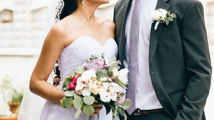 Koronawirus na weselu. Wśród zakażonych radna gminy