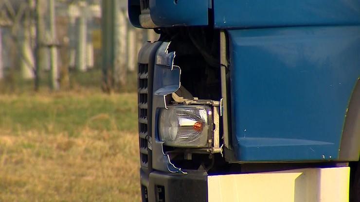 Warszawa: 11-letnia dziewczynka potrącona na pasach przez ciężarówkę. Dziecko w szpitalu