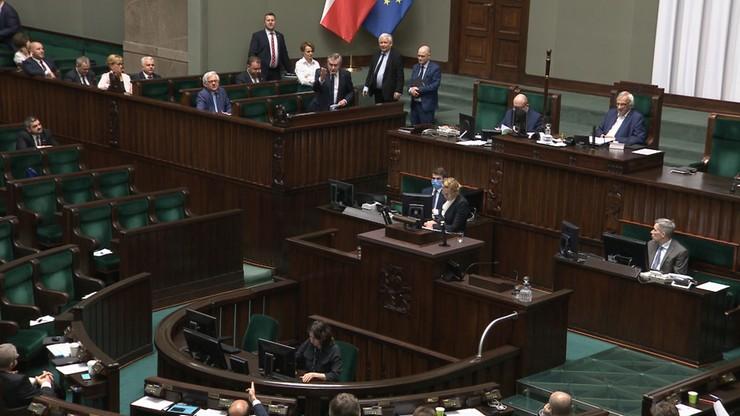 """""""Kaczyński gardzi Polakami"""", """"Prowokacja PO"""". Fala komentarzy po słowach o """"chamskiej hołocie"""""""