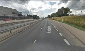 Warszawa. Kolizja trzech aut na Wale Miedzeszyńskim