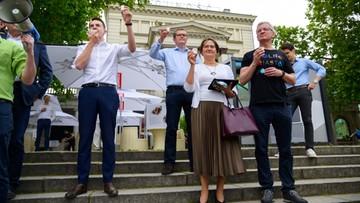 """""""Serwery padły dwa razy. Jest 100 tys. podpisów dla Trzaskowskiego"""""""