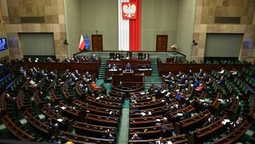 Cztery projekty ws. walki z Covid-19. Przerwa w obradach Sejmu