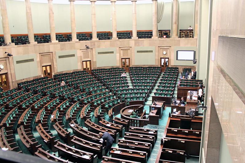 Sondaż Kantar. Cztery partie w Sejmie