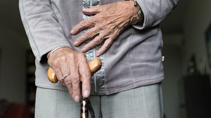 """""""Aktywna eutanazja"""" seniorów, zamiast leczenia Covid-19. Lekarz o sytuacji w Szwecji"""