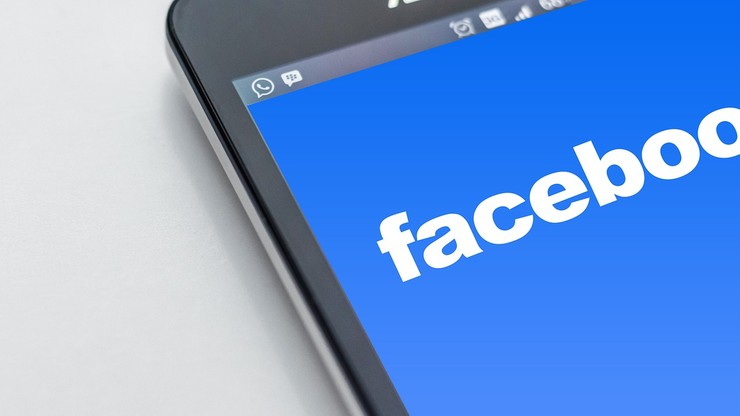 Zbieranie danych z Facebooka pomoże w walce z Covid-19? Pomysł Zuckerberga