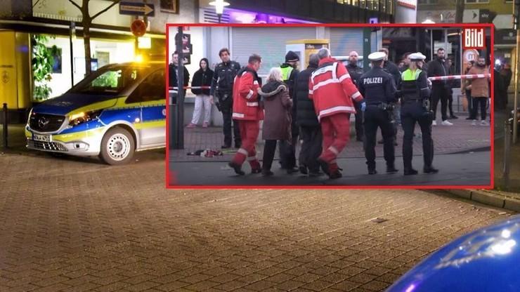 81-latka w bmw wjechała w przystanek. 12 osób rannych