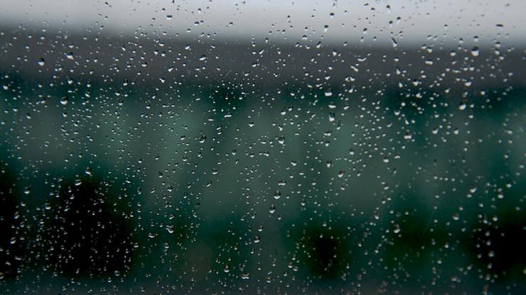 Ostrzeżenia przed silnym wiatrem i marznącym deszczem