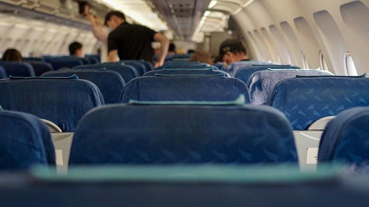 Awantura w samolocie do Wrocławia. Pasażer nie chciał założyć maseczki