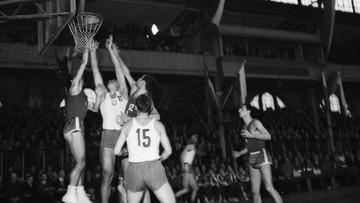 Sport w cieniu epidemii. 57 lat temu koszykarze jednak zagrali