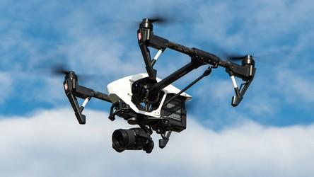 Nowy system ładowania dronów pozwala napełnić akumulatory w zaledwie 5 minut