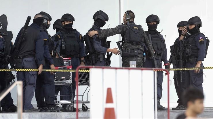 Zabił w centrum handlowym 26 osób, ranił 57. Policja zastrzeliła żołnierza