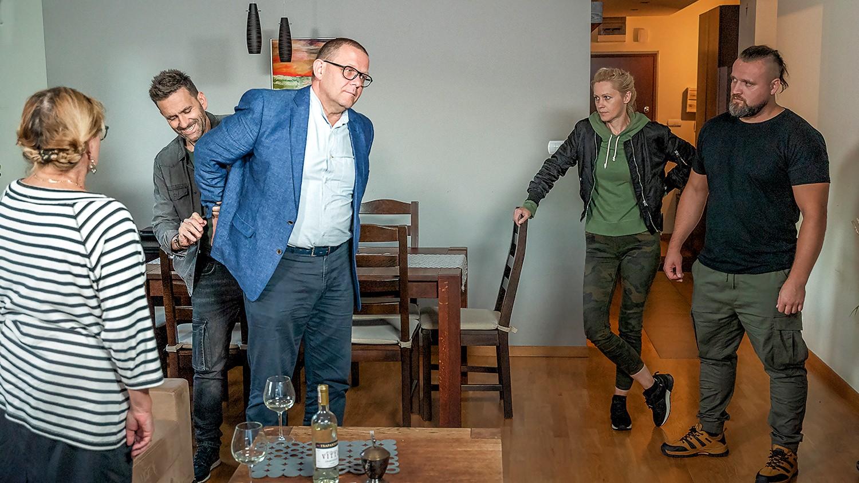 """""""Gliniarze"""" - odcinek 501: Podejrzany adorator"""