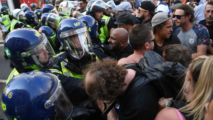Starcia z policją w Londynie. Protest przeciwko ograniczeniom wprowadzonym z powodu epidemii