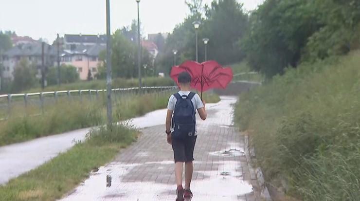 Uwaga na intensywne opady deszczu i burze z gradem. IMGW wydał ostrzeżenie