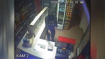 16-latek napadł na sklep i groził ekspedientce. Ukradł słodycze