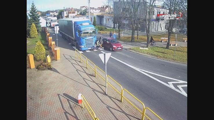 Potrącenie na pasach. Kierowca ciężarówki nie widział rowerzystki [WIDEO]