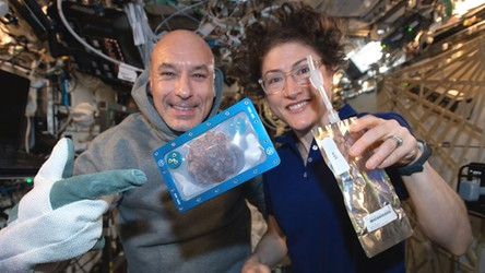 28.01.2020 06:00 Zobaczcie, jak astronauci wypiekają ciastka w swoim kosmicznym domu